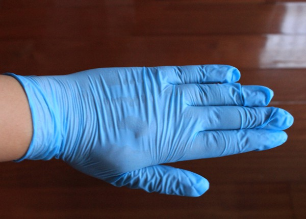 Powder Free or Powdered Nitrile examination gloves