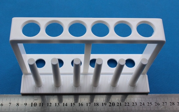6 Place plastic In-Line Test Tube Rack with drying pegs