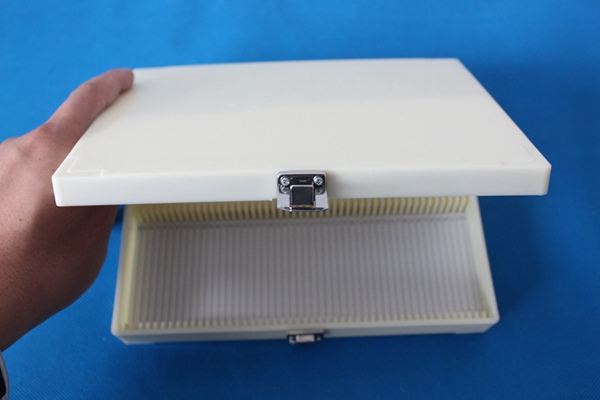100-place Microscope Slide box 100 slide storage case with metal clasp